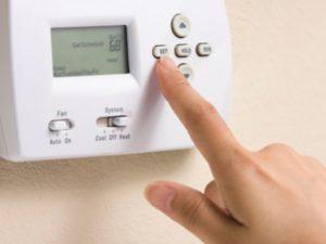 Come-risparmiare-sul-riscaldamento-in-casa-300x225 Arriva il freddo, come intervenire per ridurre al minimo i consumi
