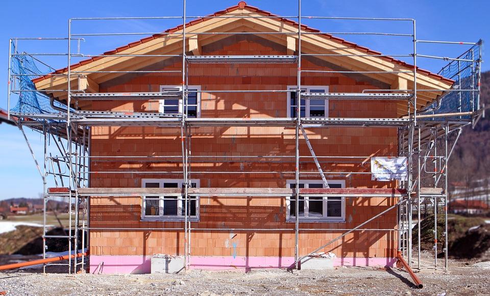 construction-work-670278_960_720 5 buoni motivi per ristrutturare casa a Pisa